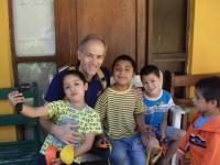 Massimo Scodavolpe responsabile del progetto SaD tra i bambini di Quinta de Tilcoco